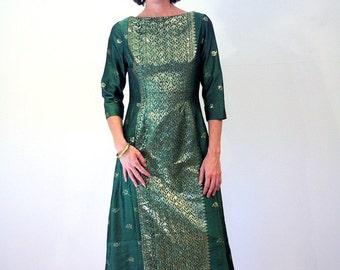 Joy of Artemis, 70s Green Sari Dress, Hunter Green Gold Indian Gown, India Maxi, Metallic Sari Dress, Ethnic Green Silk Goddess Gown M