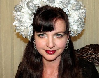 DISCO DEATH GODDESS White Chrysantemum with Silver Crown Headdress
