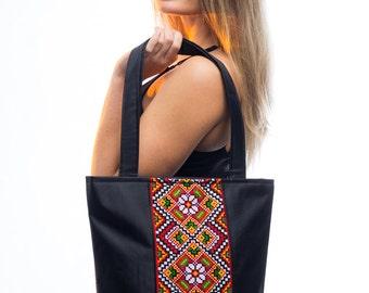 Large black canvas tote / Ukrainian embroidery / Ukrainian embroidered bag / Zippered canvas tote/ Black canvas shoulder bag/ Ukrainian gift