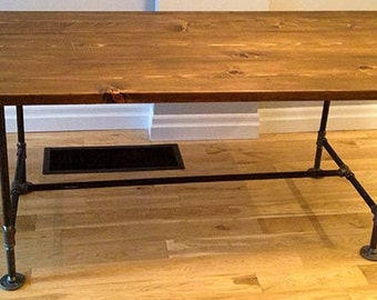 Reclaimed Wood & Metal Pipe Dining Table