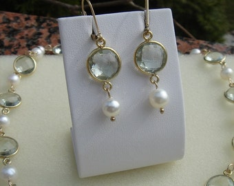Green amethyst and freshwater cultured pearl, 585-er Goldfilled earrings! Very unusual!