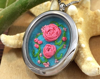 Boho Chic, Romantic Rose Necklace, Romantic Gift Wife, Unique Necklace, Wife Gift, Embroidered Necklace, Embroidery Jewelry, Gift for Women