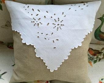 VINTAGE LINEN PILLOW /Cushion
