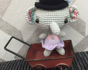 Amigurumi little Elly