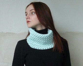 Spring scarves for women Crochet infinity scarf Gift idias Cowl neck Crochet scarf Turquoise scarf Neck warmer Cowl scarf Gift for her