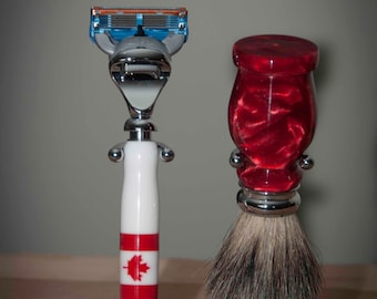 Canadian Flag Razor and Badger Hair Shave Kit