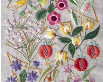 Enneade kit - canevas folies embroidery kit