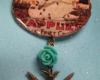 Swan pic with rose and bird pendant