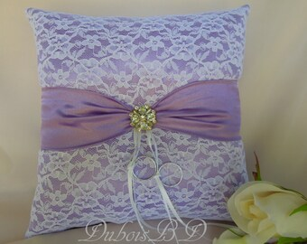 Lavender ring bearer pillow, Lace ring bearer pillow, White and lavender ring pillow, Lavender ring pillow, Wedding decoration, Weddings
