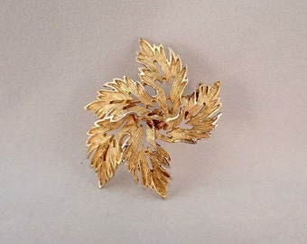 Gold Tone Entwined Textured Leaf Brooch