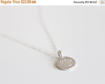 30% SOLDES - Pendant circle Lotus in solid 925 Silver necklace / minimalist