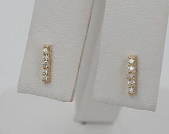 Diamond earring. 12 carats 14KT yellow gold