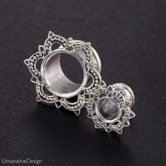Lotus ear tunnel 6g 2g 0g 00g 000g. ear tunnels silver. silver gauges. silver plugs. tunnel plug. gauge jewelry. plugs and tunnels.