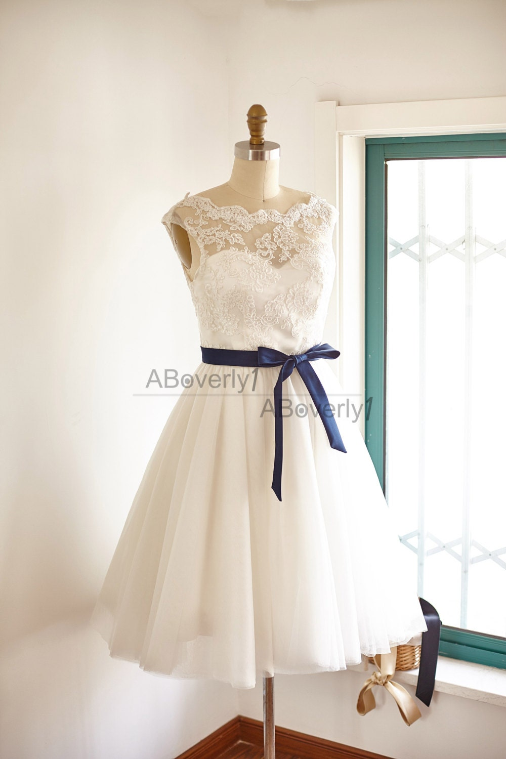 fun short lace tulle wedding dress bridal gown by aboverly1. Black Bedroom Furniture Sets. Home Design Ideas
