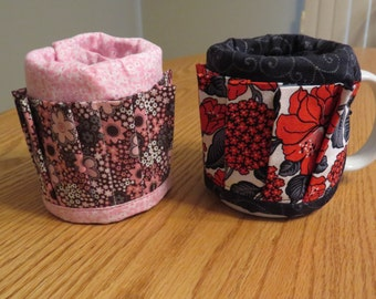 Coffee Mug Organizer -  Pink and Brown Floral, Red and Black Floral - 15 pockets - Mug not included