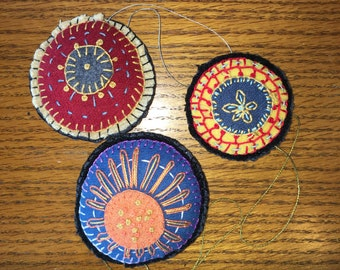 Ornament, penny rug, 100% wool, cotton thrrad