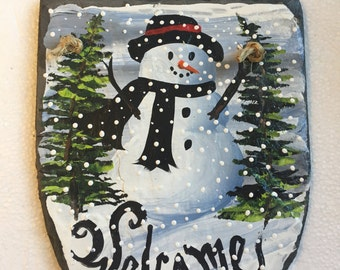 "Hand Painted SNOWMAN WELCOME SLATE 6 1/2"" x 8"" Plaque Indoor / Outdoor w Christmas Trees"