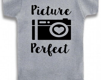 Gray Crew Neck Picture Perfect on The Laughing Giraffe 7.2 oz