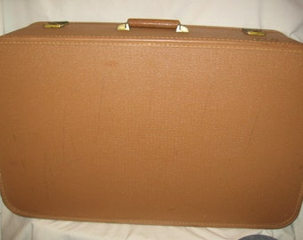 Starline Vintage Tan Suitcase//Sears Luggage// Suitcases//Shabby Chic Storage Suitcase//Suitcases