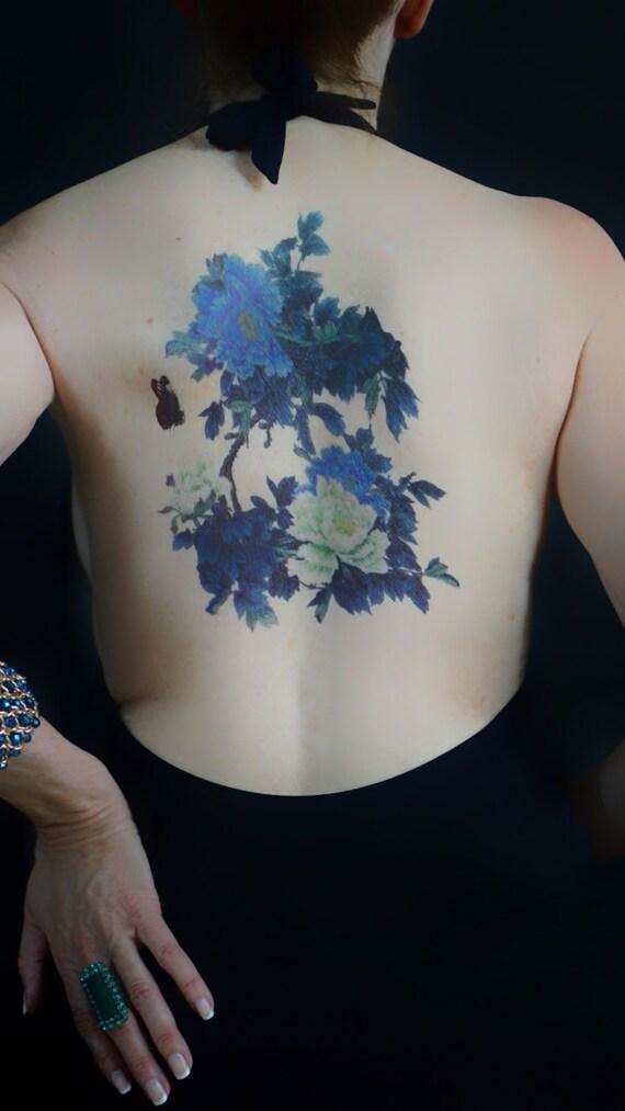 grand tatouage dos pivoine fleur tattoo tatouage floral. Black Bedroom Furniture Sets. Home Design Ideas
