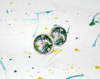 Daisy stud earrings - Daisy earrings - Floral earrings - Everyday earrings - White and Green stud earrings - Casual earrings - Flower studs