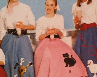 Sock hop skirt, McCalls 6101, easy costume, poodle cat, Scotty, guitar appliques, all sizes