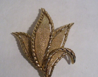 Crown Trifari Leaf Brooch(55)