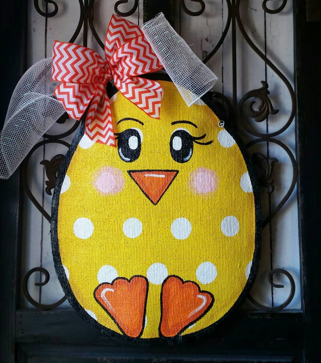 easter egg chick burlap door hanger decoration and wreath. Black Bedroom Furniture Sets. Home Design Ideas