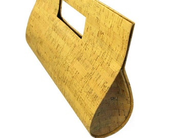 Handmade cork woman handbag with fabric interior and magnetic snap