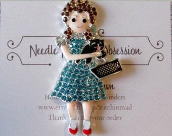 Dorothy and Toto Needle Minder