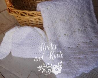 Baby shower gift set - white baby blanket - white baby hat - crochet baby blanket - gender neutral baby shower gift, - baby nursery - travel