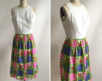 Vintage 1960's dress. Floral dress. Vintage mod dress. A-line dress size 6.