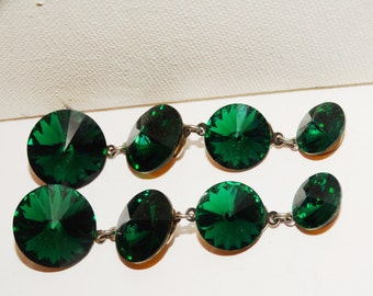 Vintage Forest green Dangling Faceted Glass Earrings.