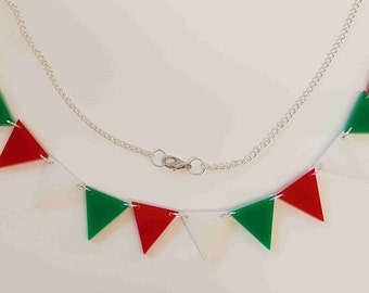 Bunting Necklace Retro Red/White/Green - Acrylic