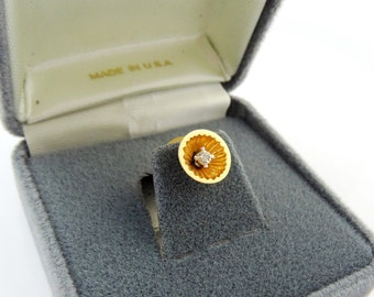 Vintage Tie Pin Tack 3D Floral Round Gold Tone in Box