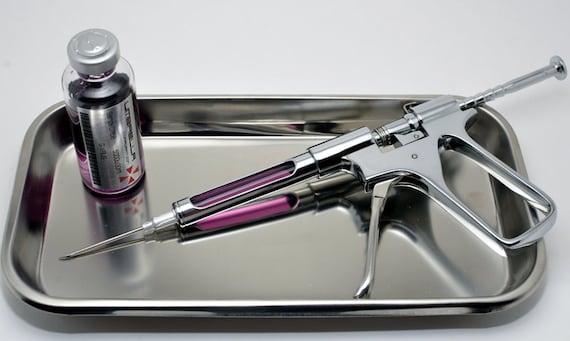 Resident Evil Chrome Syringe Gun
