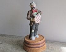 Vintage Emmett Kelly Jr. Collectible Musical Porcelain Clown Figurine, Popcorn Time