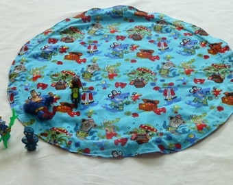 Drawstring Toy Mat for cars, building bricks, small toys: Pirate fabric!