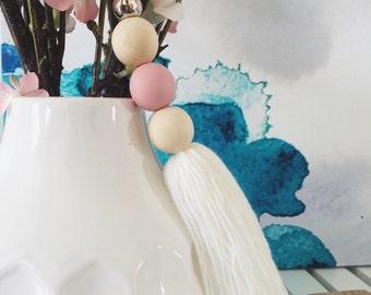 Tassel garland | wooden bead | dusty pink & gold