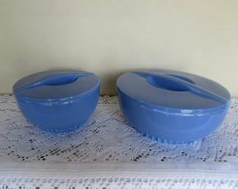Set of 2: Hall Refrigerator Dishes w Lids (made for Montgomery Ward Co.) 2 cup and 1 qt. capacity. Blue, Vintage