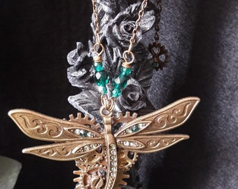 "Necklace-inspired steampunk ""Lady Dragonfly – Green"""
