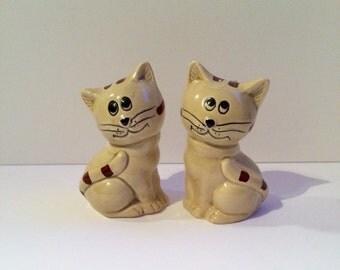 Cat Kitten Salt and Pepper Shakers Retro