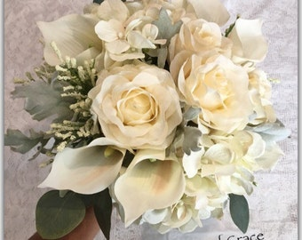 Ivory bouquet. Wedding bouquet.