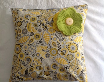Floral design cushion/pillow with detachable decoration