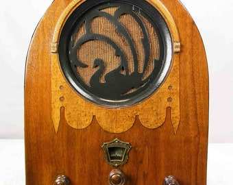 "Jackson Bell 62 ""Black Swan""  Cathedral  Antique Radio (1930) Mini-jack installed Bluetooth available  ON SALE!!!!"