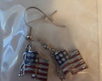 American Flag Earrings (color) - P3