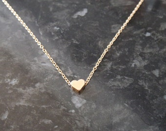 Minimal heart necklace | Gold