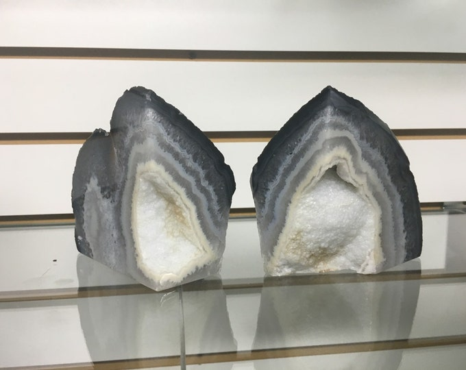 Agate Bookends Agate Geode Bookends with Druzy center from Brazil- Bookends \ Agate \ Geode Bookends \ Home Decor \ Crystal Bookends \ Reiki