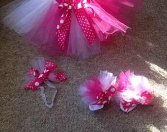 Tutu skirt, matching sock, and head band.