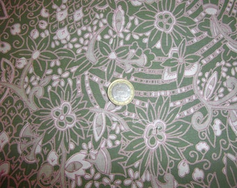 green polynesian Fabric 100% cotton  Flowers  Printed
